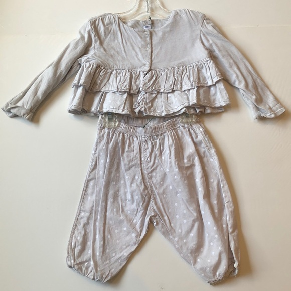 Taille girl grey two piece
